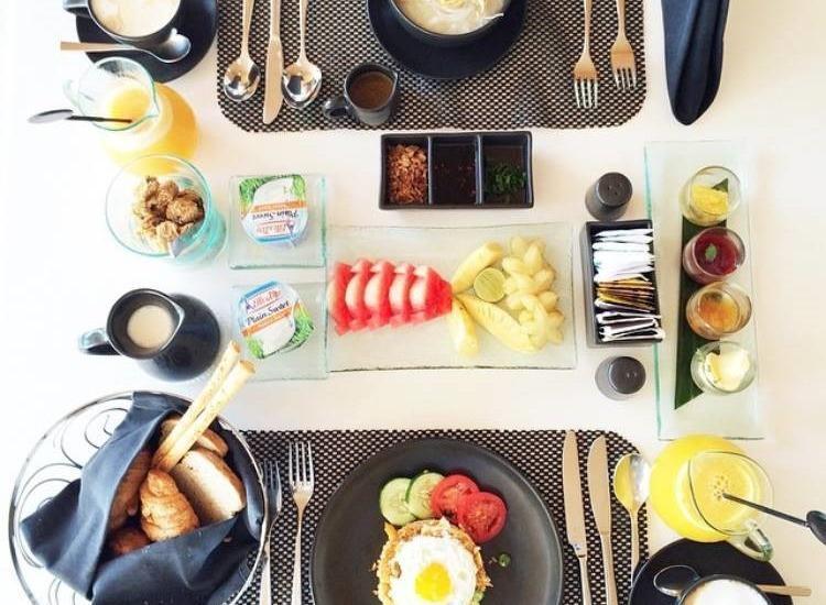 Dash Hotel Seminyak - Breakfast