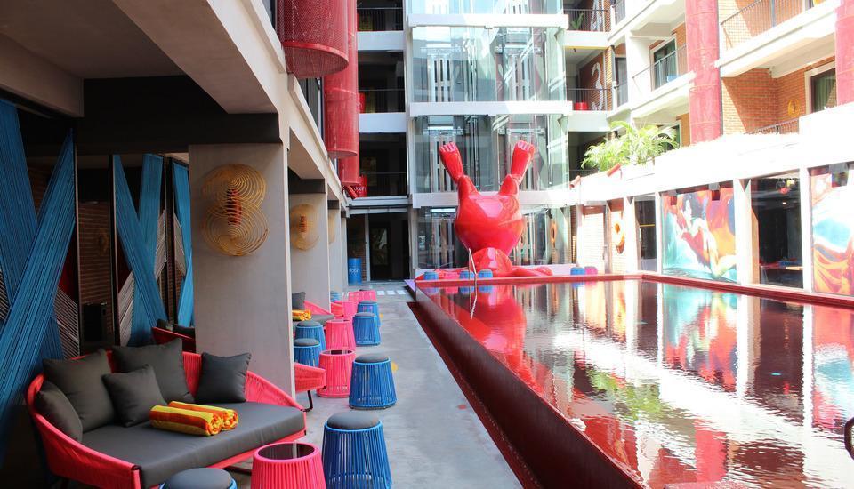 Dash Hotel Seminyak - Kolam Renang diluar Ruangan