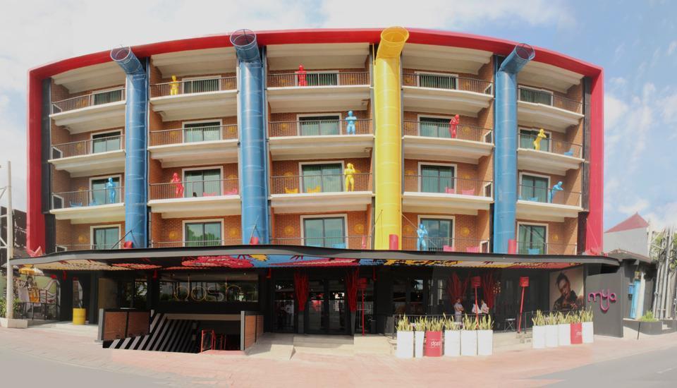 Dash Hotel Seminyak - Exterior