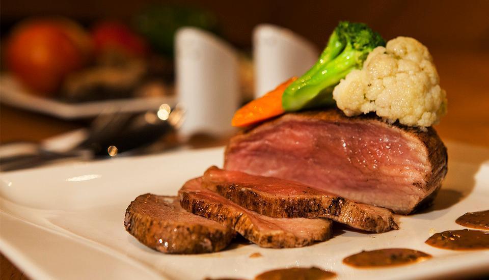 Hotel Horison Yogyakarta - Steak