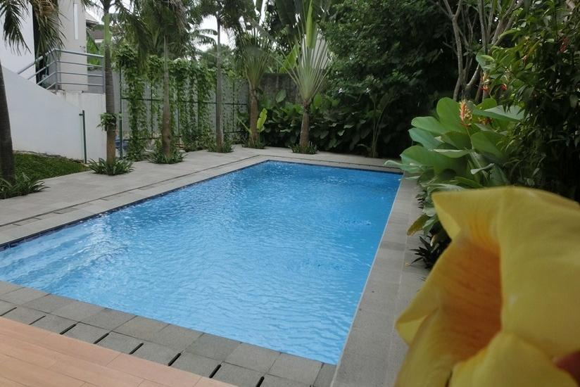 IZI Hotel Bogor - Swimming Pool