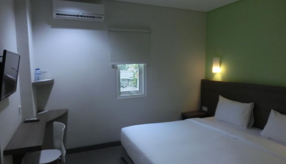 IZI Hotel Bogor - Superior Room With Breakfast Regular Plan
