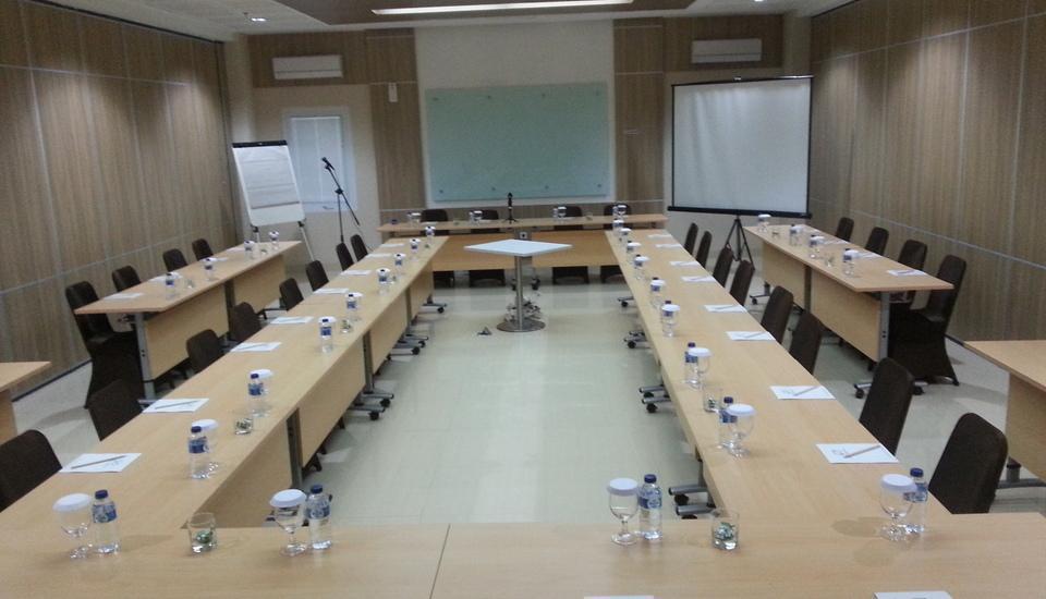 IZI Hotel Bogor - Ruang Rapat