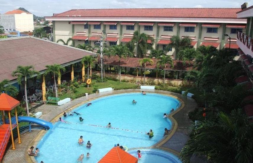 Hotel Nusantara Syariah Lampung - Pool