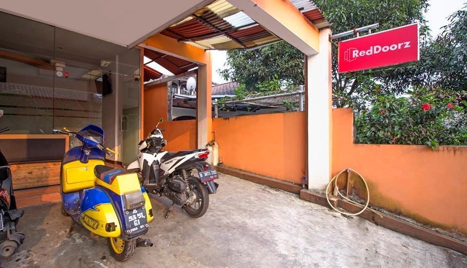 RedDoorz near Exit Tol Pasteur Bandung - Exterior