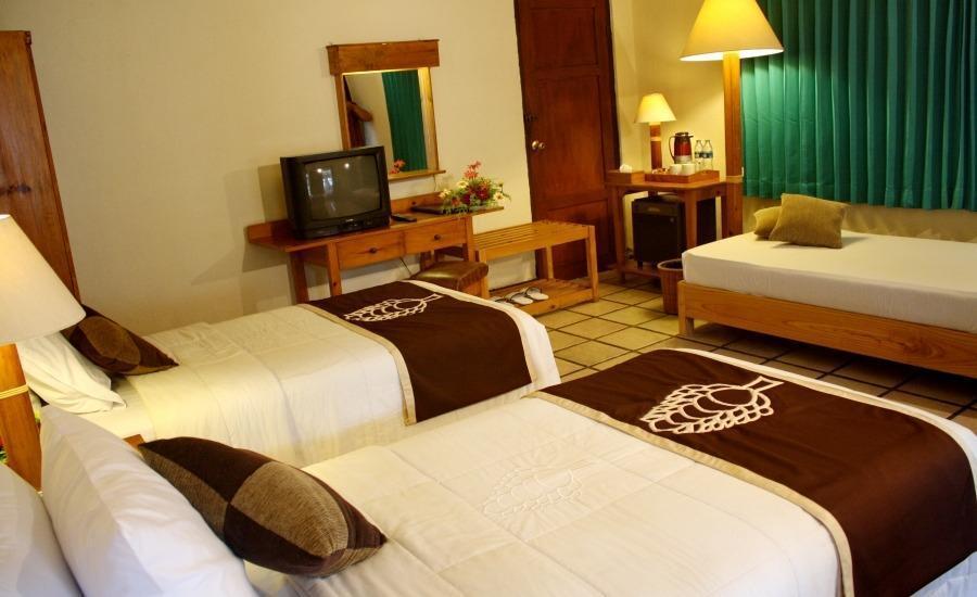 Hotel & Banquet Panorama Lembang Bandung - Kamar tamu