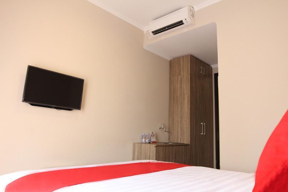 OYO 130 MBC Residence Jakarta - Suite Room Regular Plan