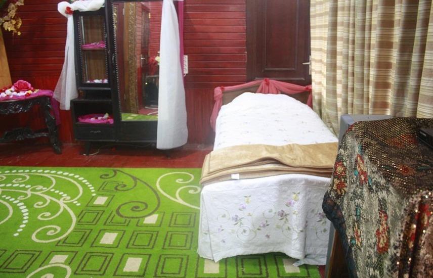 Bunda House Padang - Siti Nurbaya (Ac) LAST MINUTE DEAL