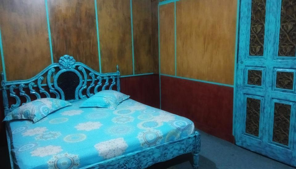 Bunda House Padang - Zainudin (NON AC,SHARED BATHROOM) Regular Plan