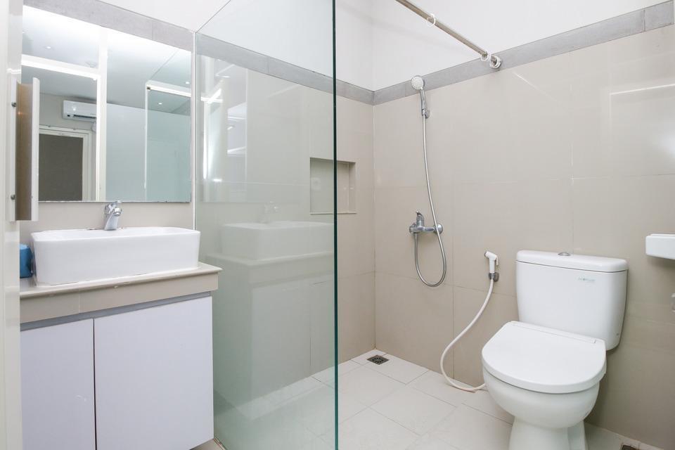 Airy Darmo Kanwa 18 Surabaya - Bathroom