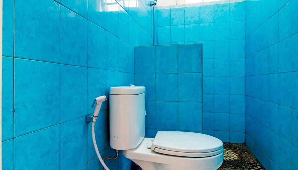 RedDoorz @Jalan Bangka Jakarta - Kamar mandi
