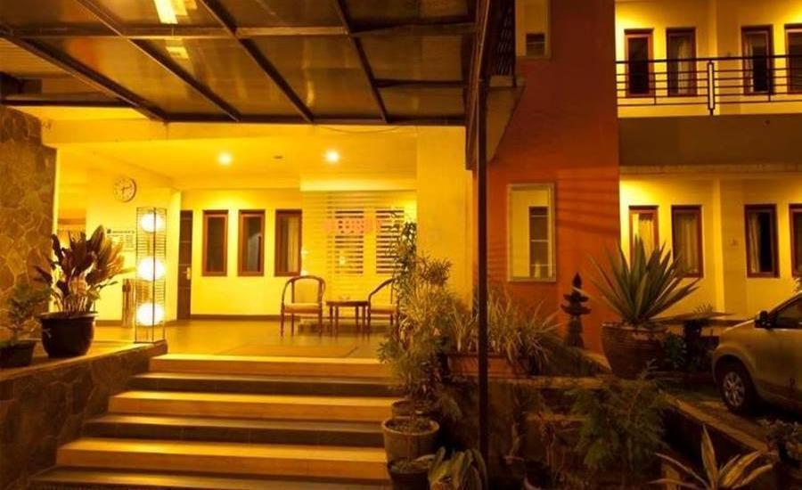 Hotel Bintang Tawangmangu - Eksterior