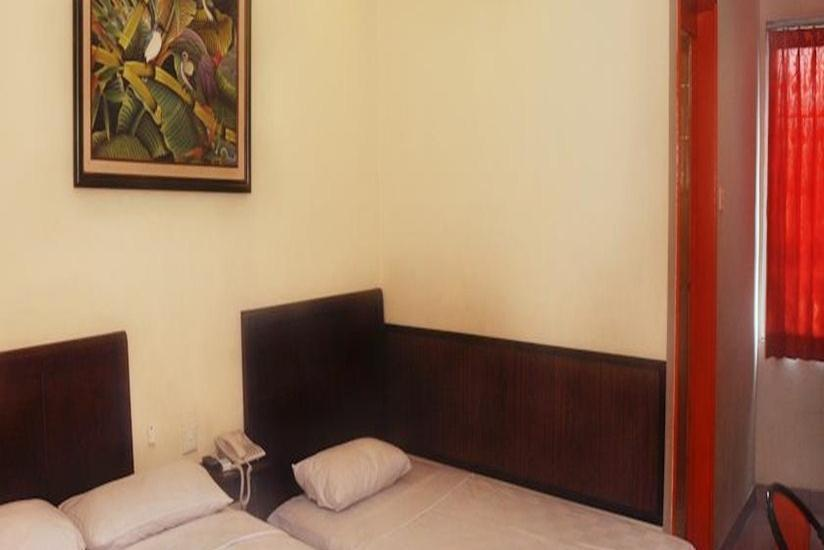 Plaza Hotel Mangga Dua - Standard Room With Breakfast Regular Plan