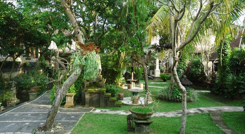 Dewangga Bungalow Bali - Taman