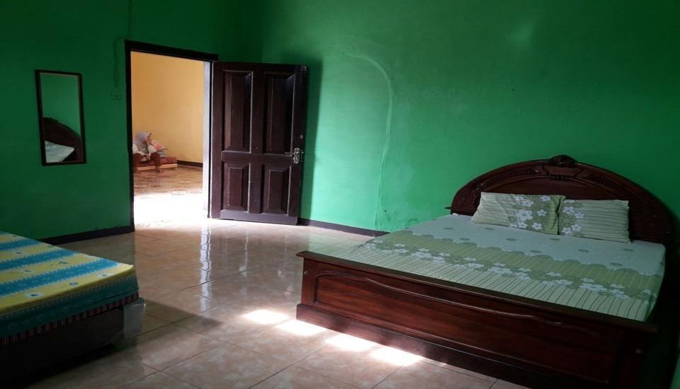 Dahlia Asri Homestay And Guest House Purwakarta - Room