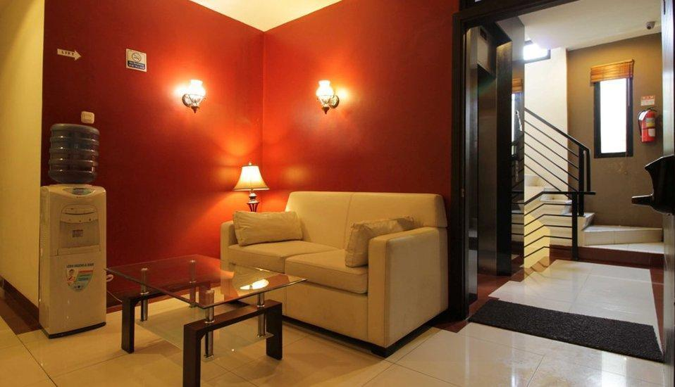 RedDoorz Plus at Fatmawati - Interior