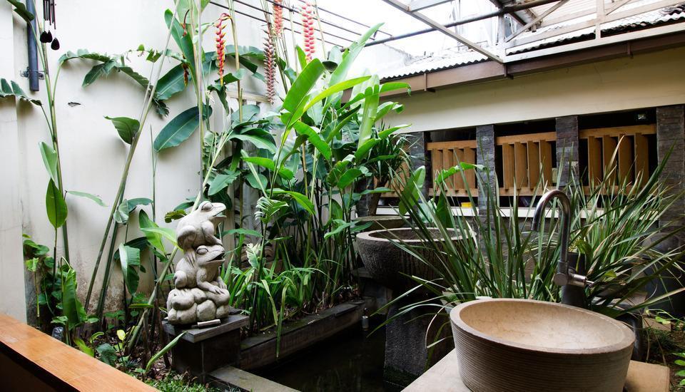 RedDoorz @Gatot Subroto Bandung - Eksterior