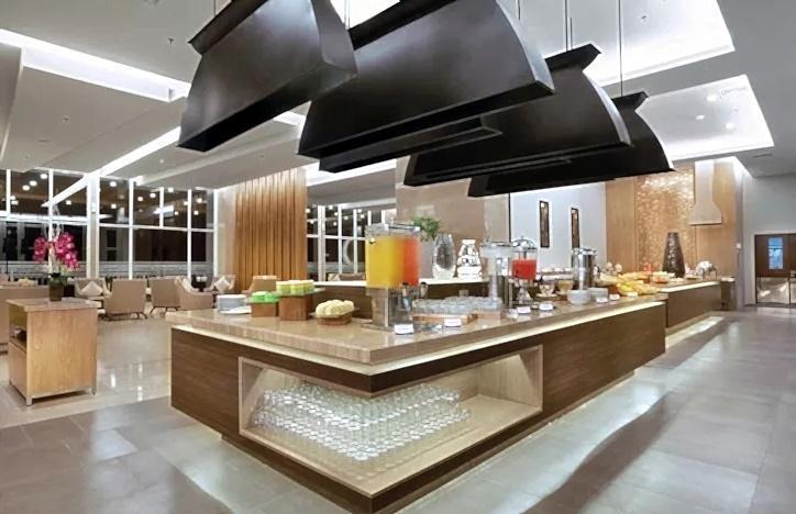 Aston Banua Hotel Banjarmasin - Restoran Prasmanan