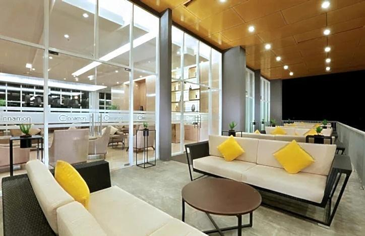 Aston Banua Hotel Banjarmasin - Cinnamon Lounge