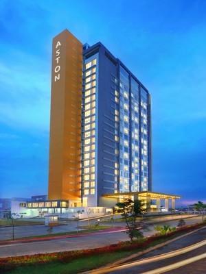 Aston Banua Hotel Banjarmasin - Tampilan Luar Hotel
