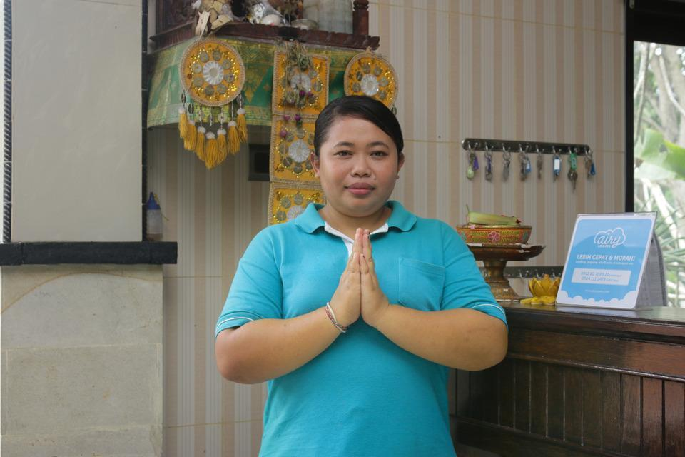 Airy Raya Pengadangan Mengwi 2 Bali - Receptionist