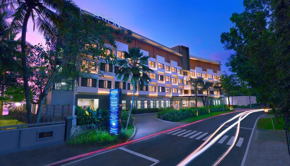 Aston Anyer - Hotel Tampak Muka