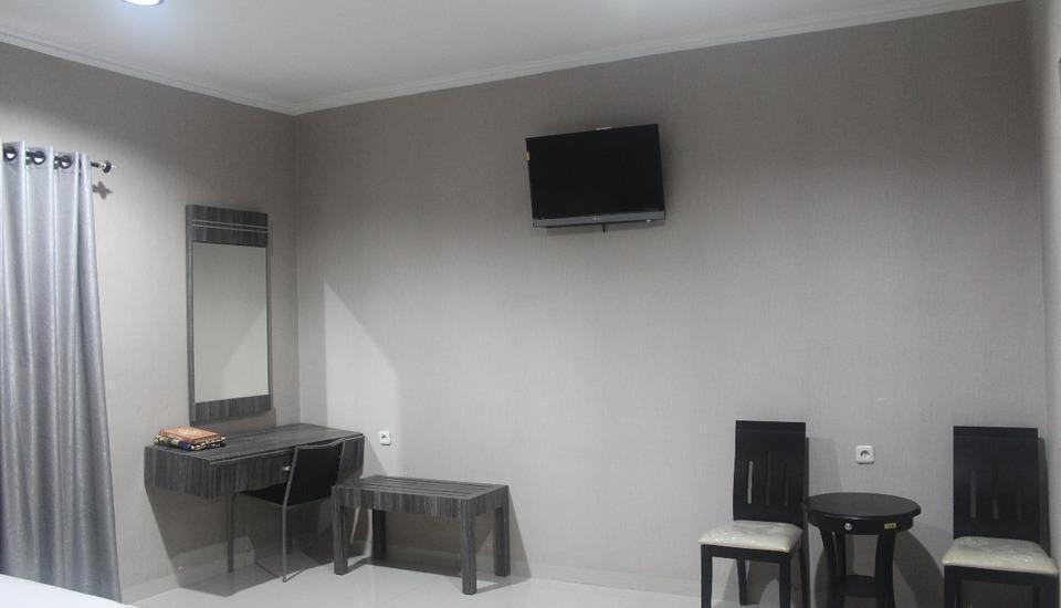 LJ Hotel Sriwijaya Medan - fasilitas deluxe room