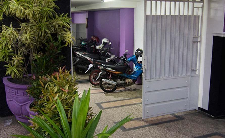 Raggea Malang - Parkir Motor