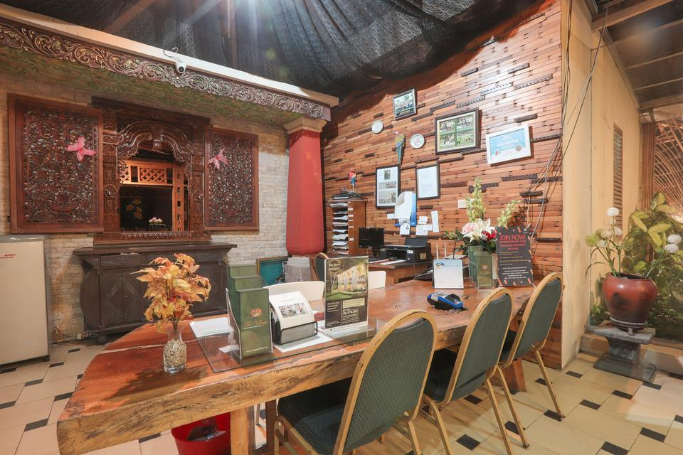 OYO 243 The Village Bumi Kedamaian Bogor - Reception