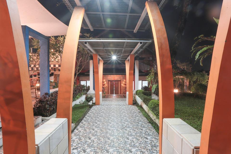 OYO 243 The Village Bumi Kedamaian Bogor - Corridor