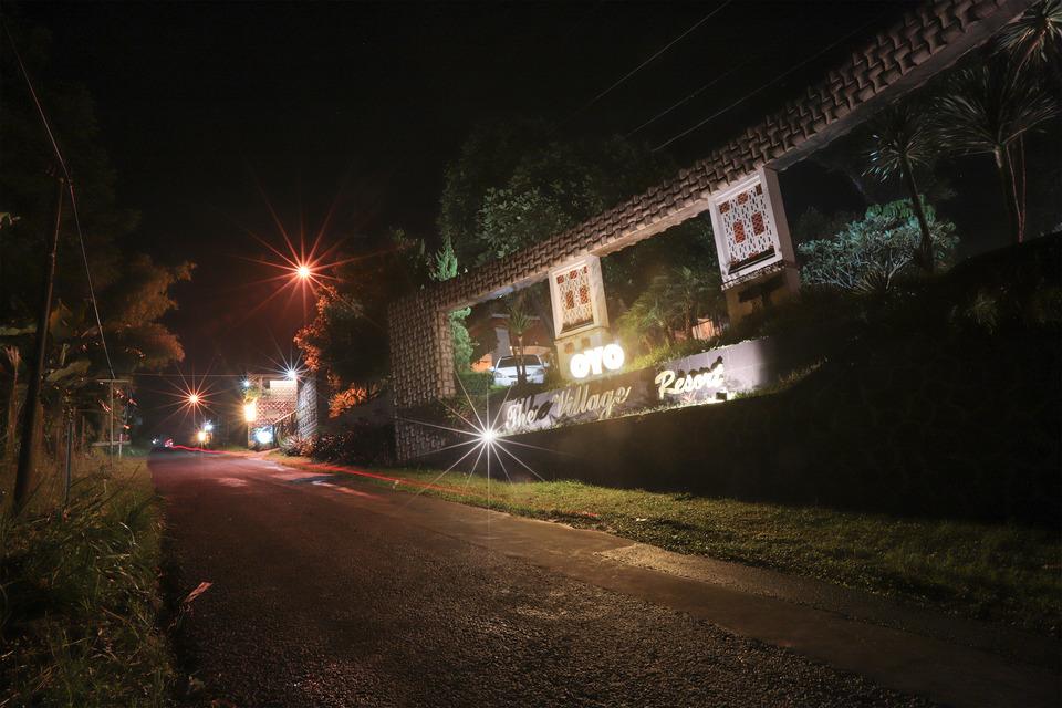 OYO 243 The Village Bumi Kedamaian Bogor - Facade