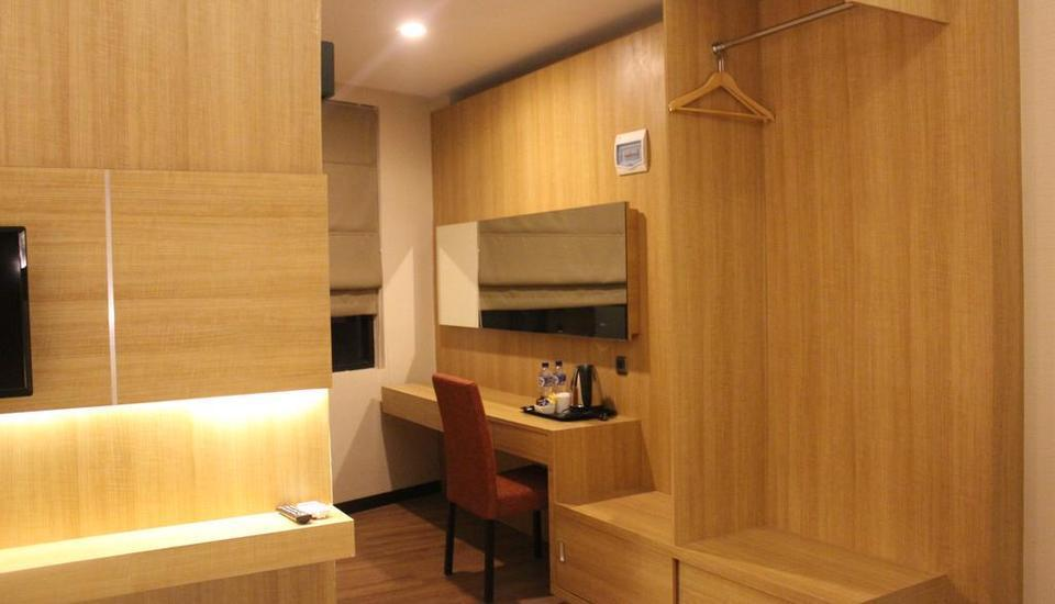Fontana Hotel Jakarta - Room