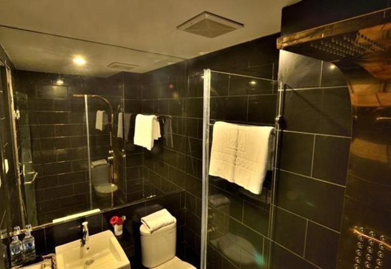 Amaroossa  Grande Bekasi - Kamar mandi