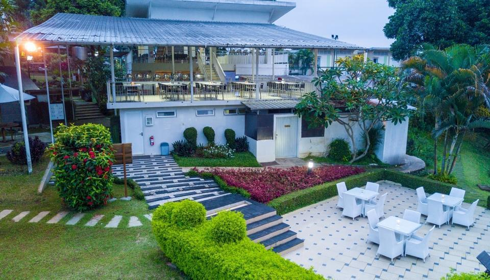 D Agape Residence Bogor - pooldeck