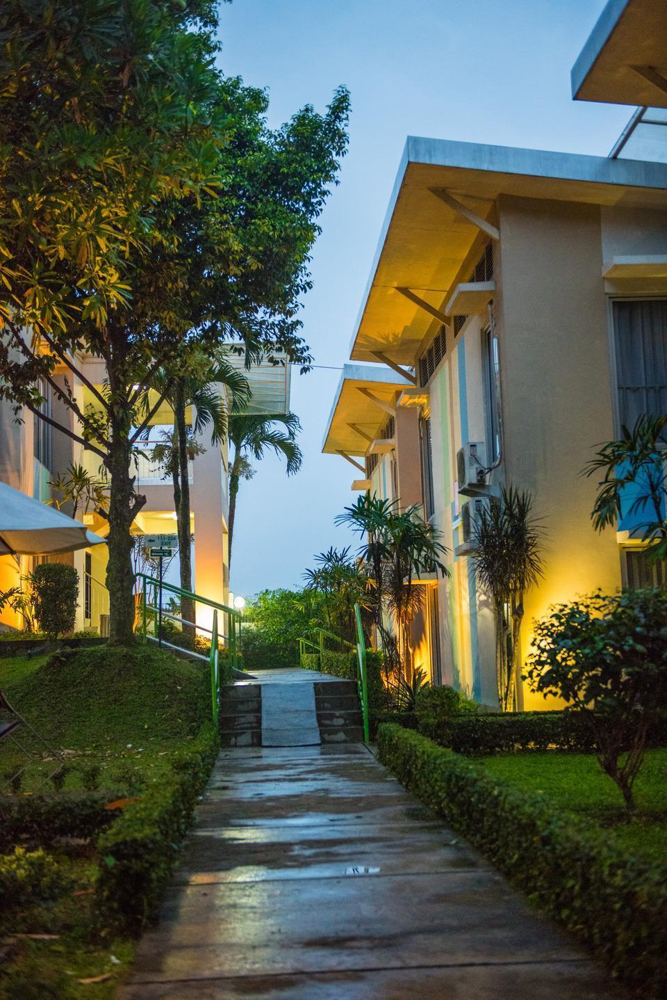 D Agape Residence Bogor - hall way