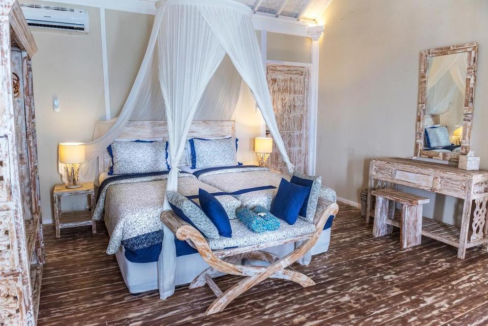 Sudamala Resort, Seraya Flores - Bedroom