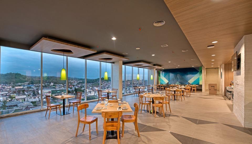 Whiz Prime Hotel Ahmad Yani Lampung - Restaurant