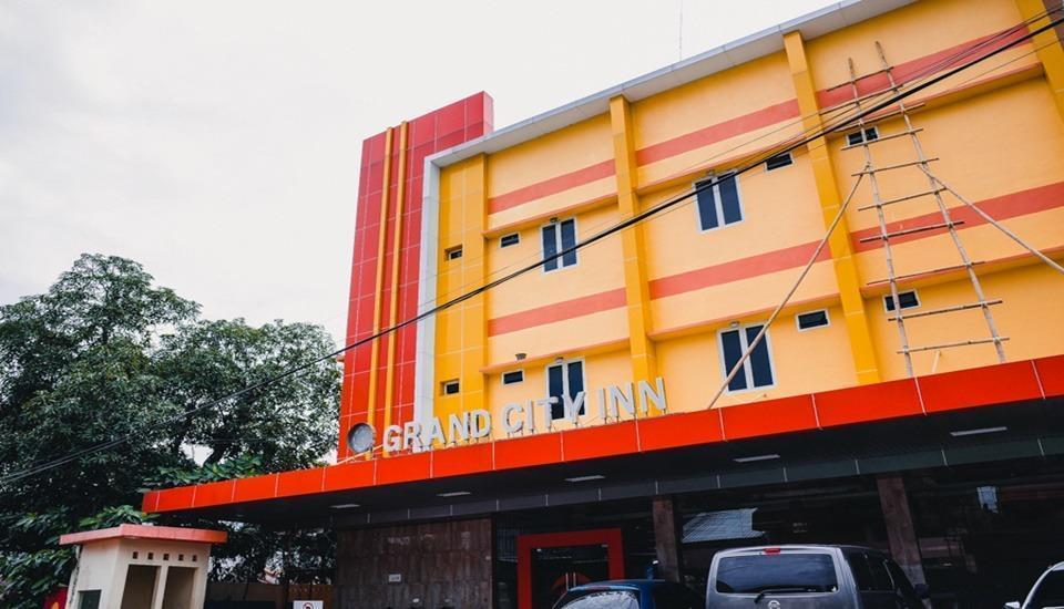RedDoorz Plus @ AP Pettarani Makassar - Faced