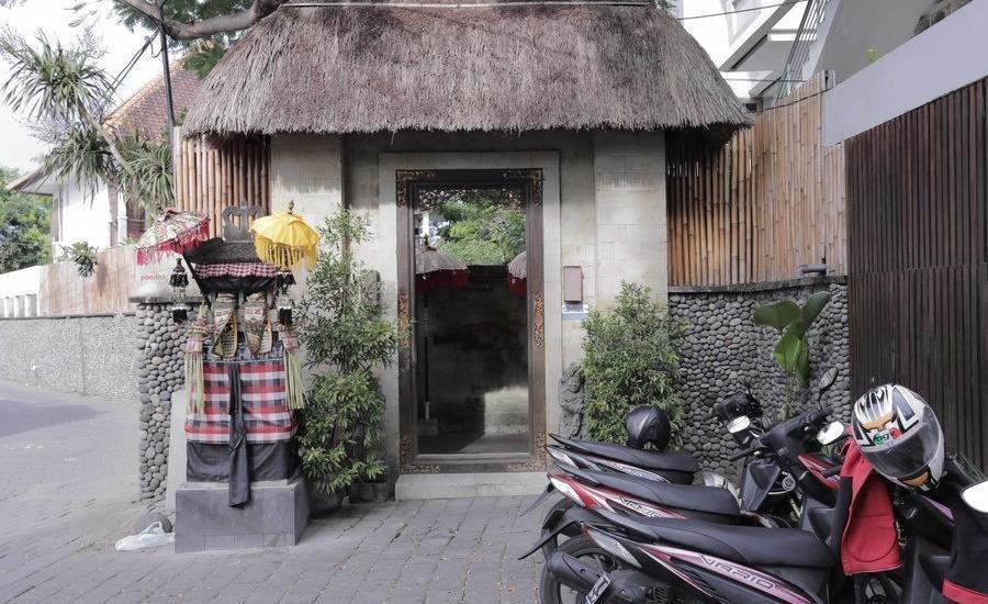 RedDoorz @Nyangnyang Sari Kuta Bali - Eksterior