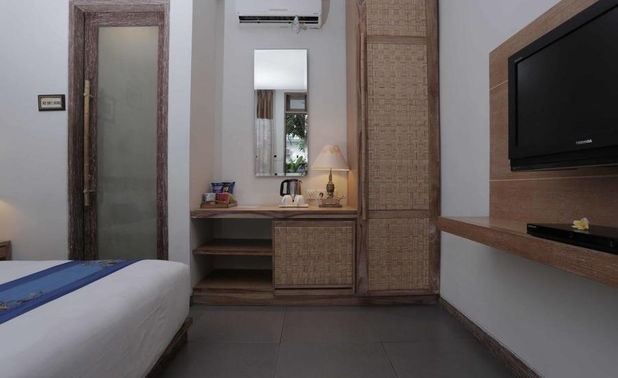 RedDoorz @Nyangnyang Sari Kuta Bali - Kamar tamu