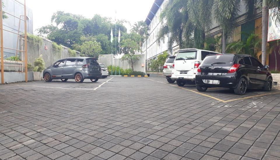 POP Hotel Teuku Umar - Parking Area