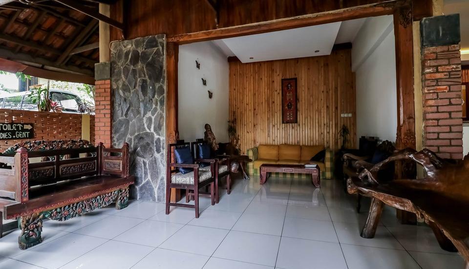 NIDA Rooms Puncak KM 65 Megamendung - Eksterior