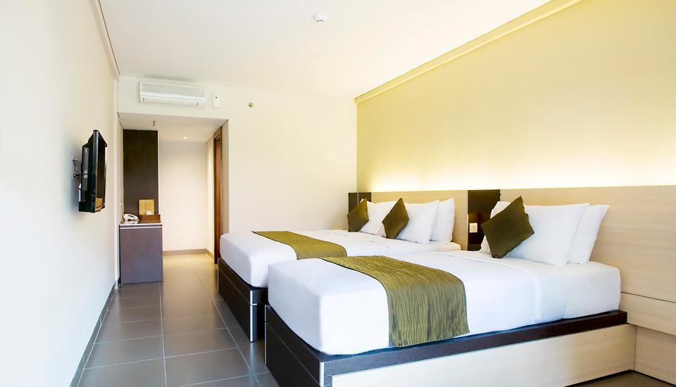 Sukajadi Hotel Bandung - Executive Triple Room Only Basic Deal, Save 30% (No Refund)