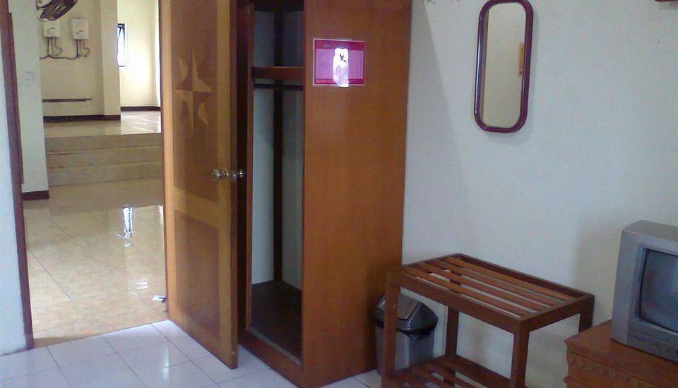 Andalus Hotel Surabaya - Rooms