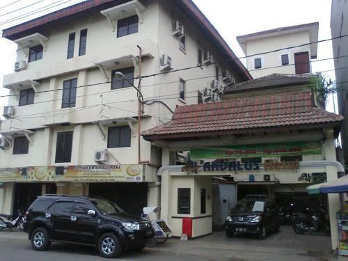 Andalus Hotel Surabaya - Tampak Depan Hotel