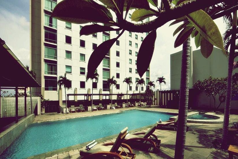 Hotel Alila Jakarta - Kolam Renang