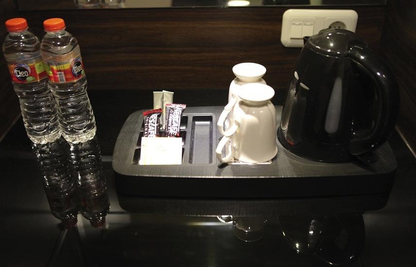 Palmy Exclusive Hotel Berau - Pembuat kopi dan teh