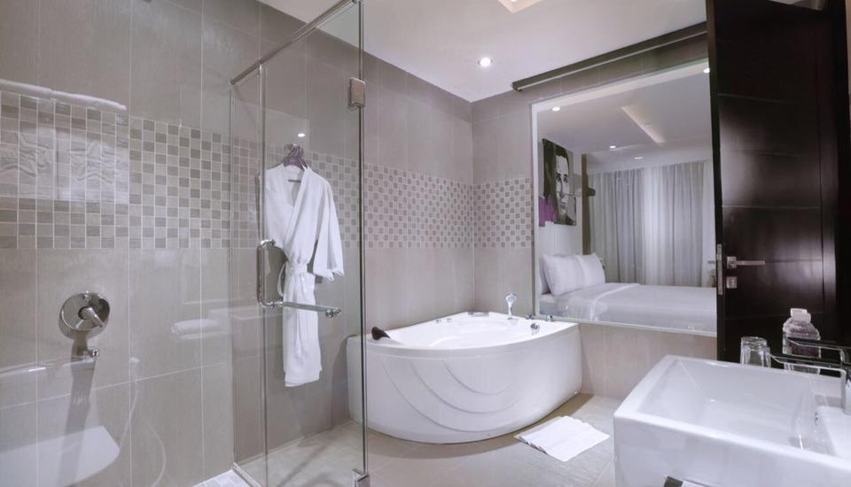 Fame Hotel Batam Batam - Bathroom Junior & Suite Room
