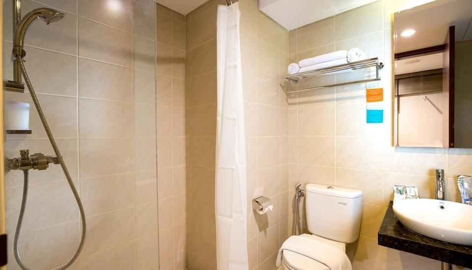Siesta Legian Hotel Bali - Bathroom