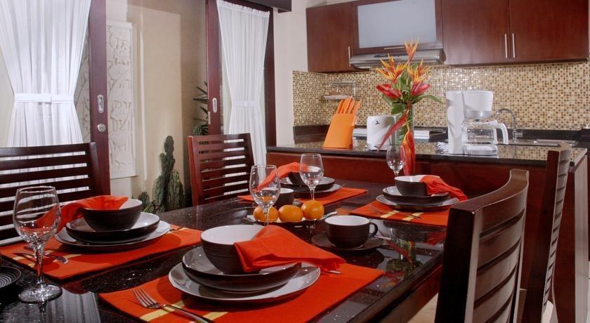 Arman Villas Seminyak - Ruang makan